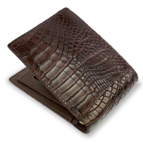 portefeuille crocodile marron xl2 1