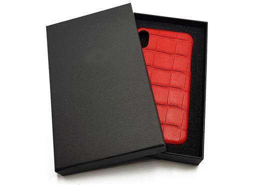 coque iphone crocodile veritable rouge 520x370 1